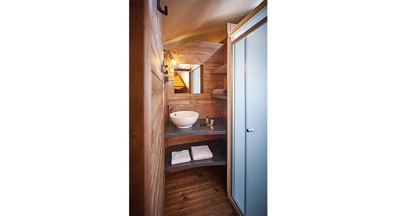 salle de bain lodge kenya